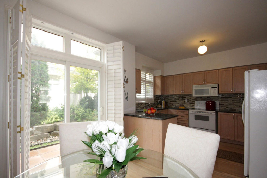 Eat-in Kitchen, 20 William Poole, Toronto Home Staging