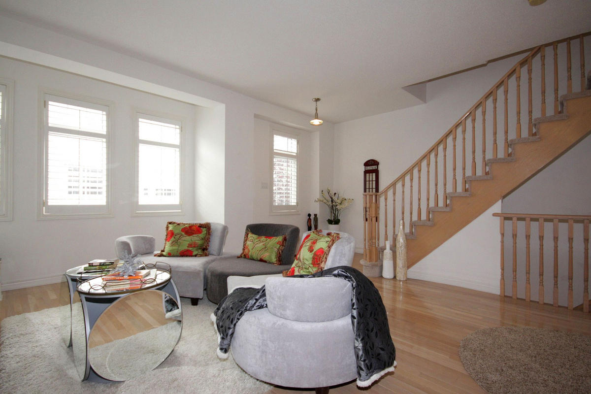 Living Room, 20 William Poole, Toronto Home Staging