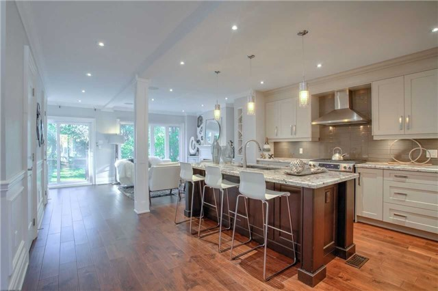 Breakfast Bar, 202 Windermere, Toronto Home Staging