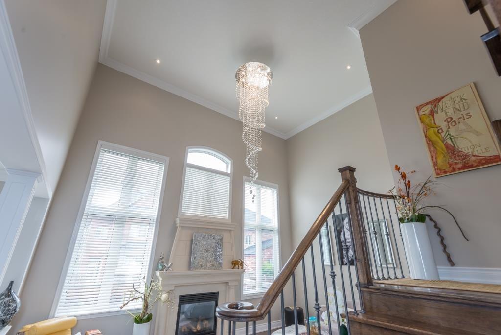 Chandelier, 59 Stanton, Woodbridge Home Staging