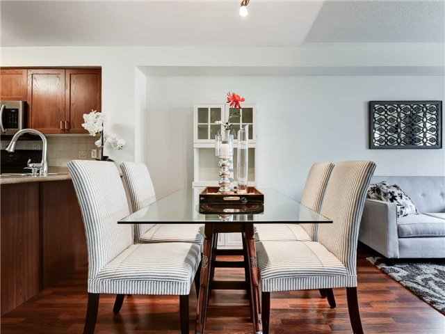 Dining Room, 5050 Intrepid, Mississauga Home Staging