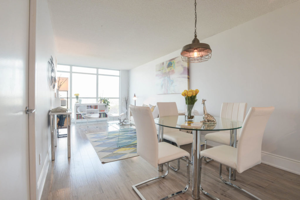Eat-in Kitchen, 231 Fort York, Toronto Condo Staging