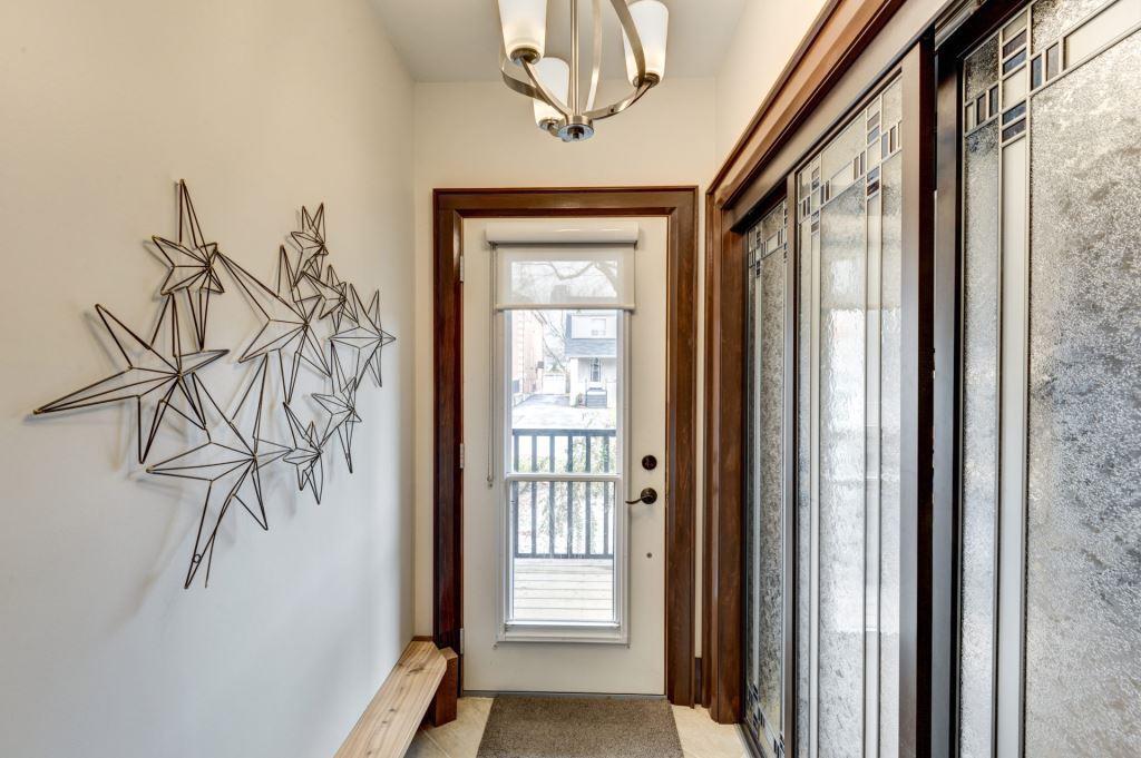 Entrance, 50 Albert, Etobicoke Home Staging