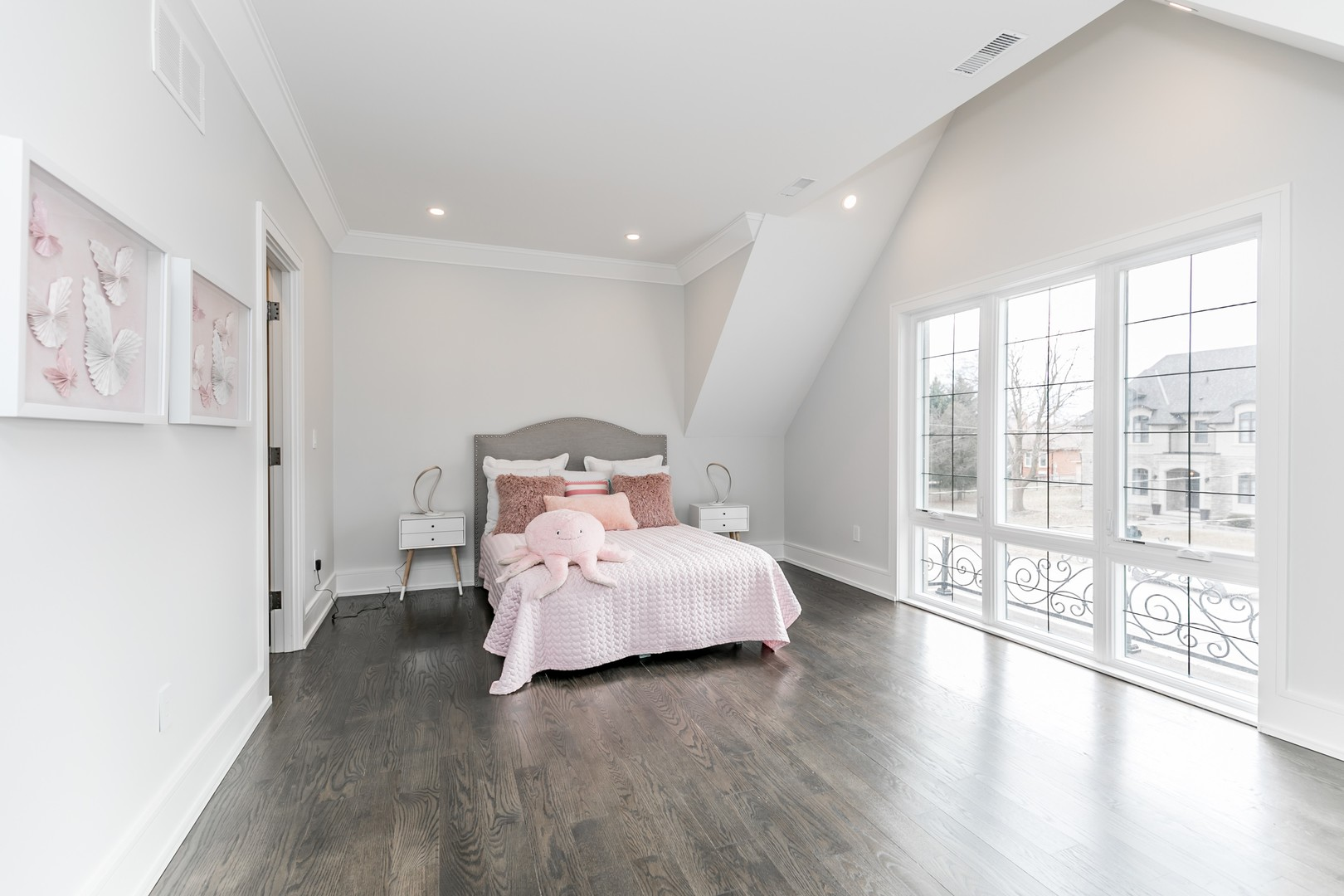Girl's Bedroom View, 19 Ryder, Vaughan Home Staging