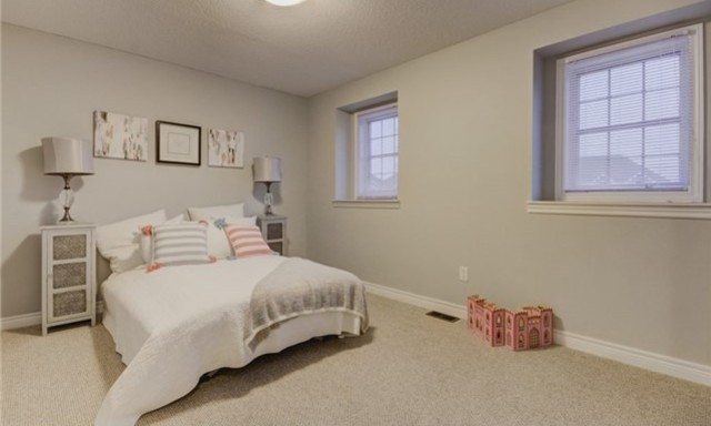 Kids Bedroom, 49 Stammers, Ajax Home Staging