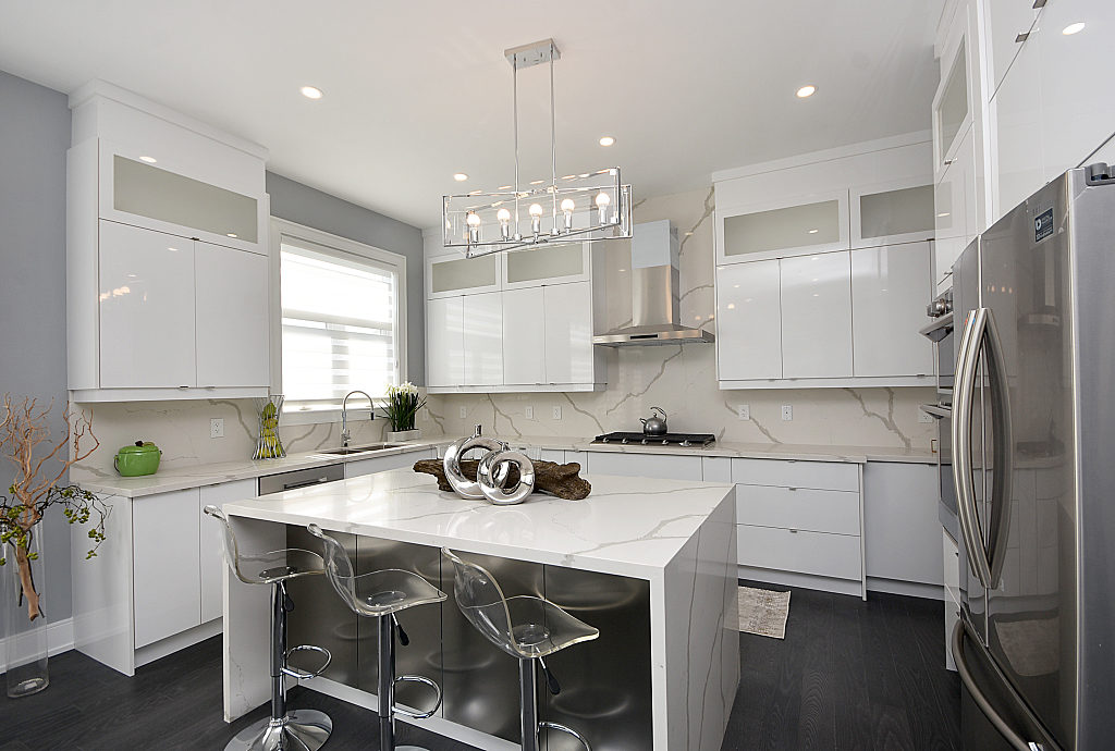 Kitchen Cabinets, 948 Third, Mississauga Home Staging