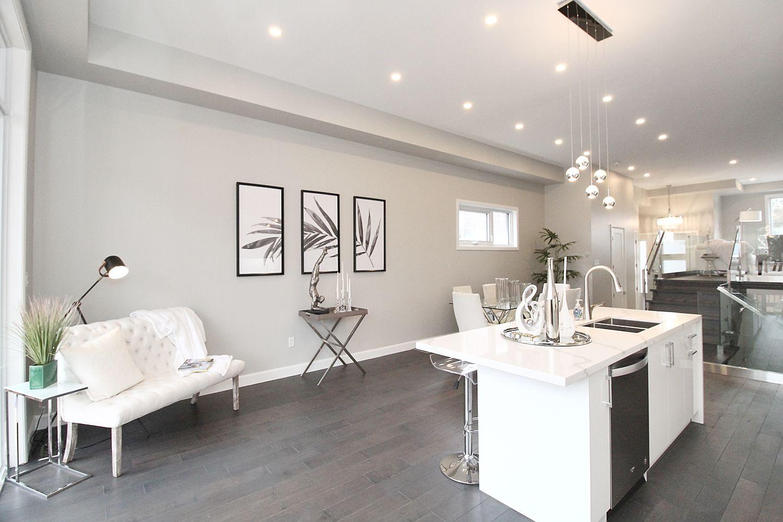 Kitchen Counter, 182 Oak Park, East York Home Staging