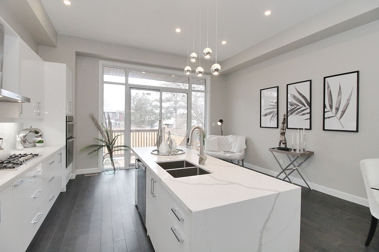 Kitchen Countertop, 182 Oak Park, East York Home Staging
