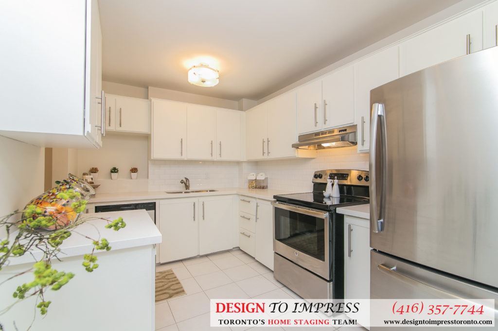 Kitchen Countertop, 230 Royal Orchard, Thornhill Home Staging