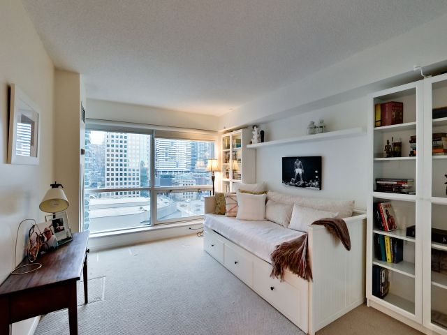 Reading Room, 10 Yonge, Toronto Condo Staging