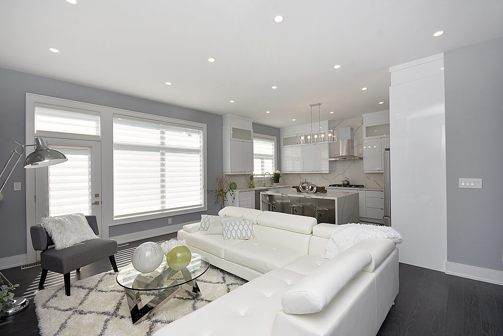 Living Room and Kitchen, 948 Third, Mississauga Home Staging