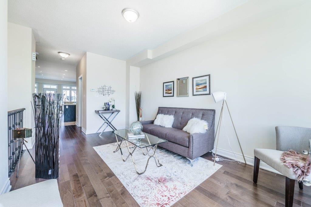 Living Room, 255 Dundas, Markham Home Staging
