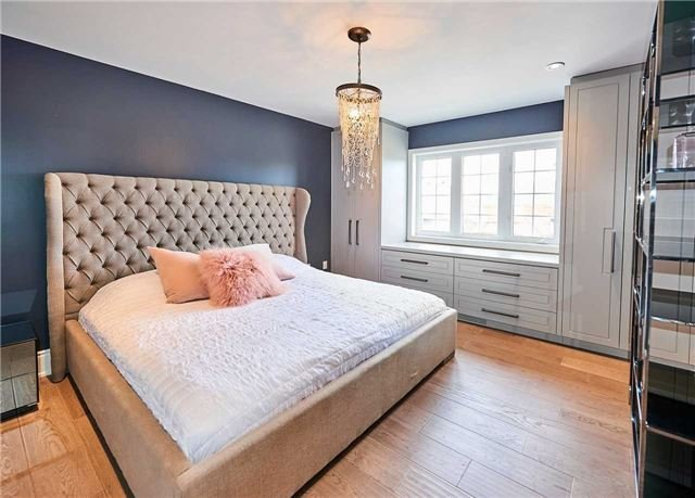 Master Bedroom, 17 Cottontail, Markham Home Staging