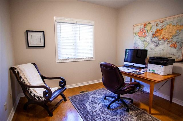 Office, 47 Lacey, Whitby Home Staging