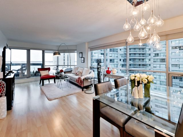 Open Concept, 10 Yonge St., Toronto Condo Staging
