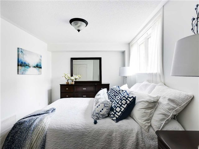 Second Bedroom, 5050 Intrepid, Mississauga Home Staging