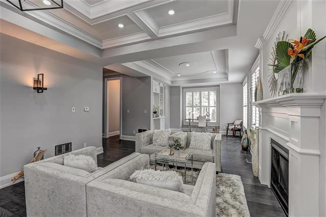 Sitting Area, 175 The Kingsway, Etobicoke Home Staging