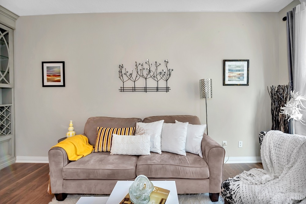 Sitting Room, 1121 Bay St., Toronto Condo Staging