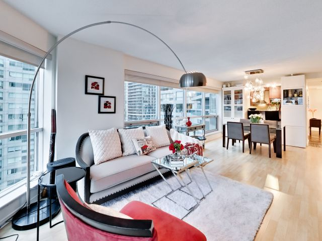 Sitting Room, 10 Yonge, Toronto Condo Staging