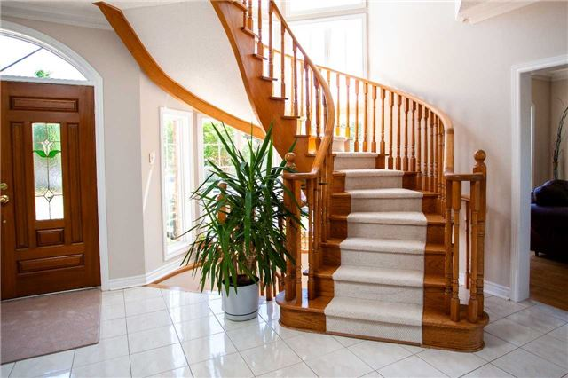 Stairs, 47 Lacey, Whitby Home Staging