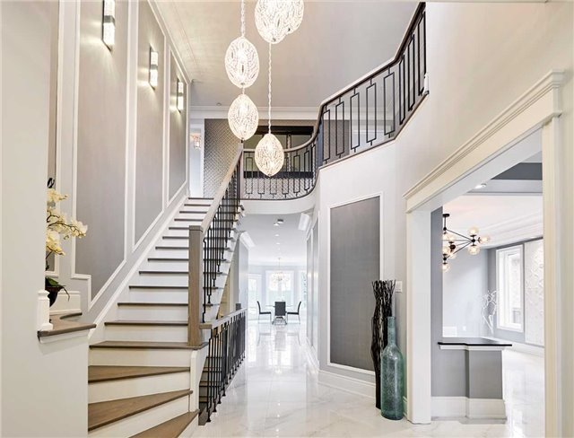 Stairway, 17 Cottontail, Markham Home Staging