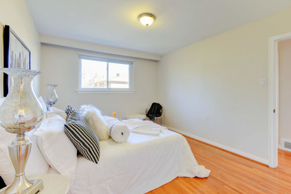 Third Bedroom, 215 Greyabbey, Scarborough Home Staging