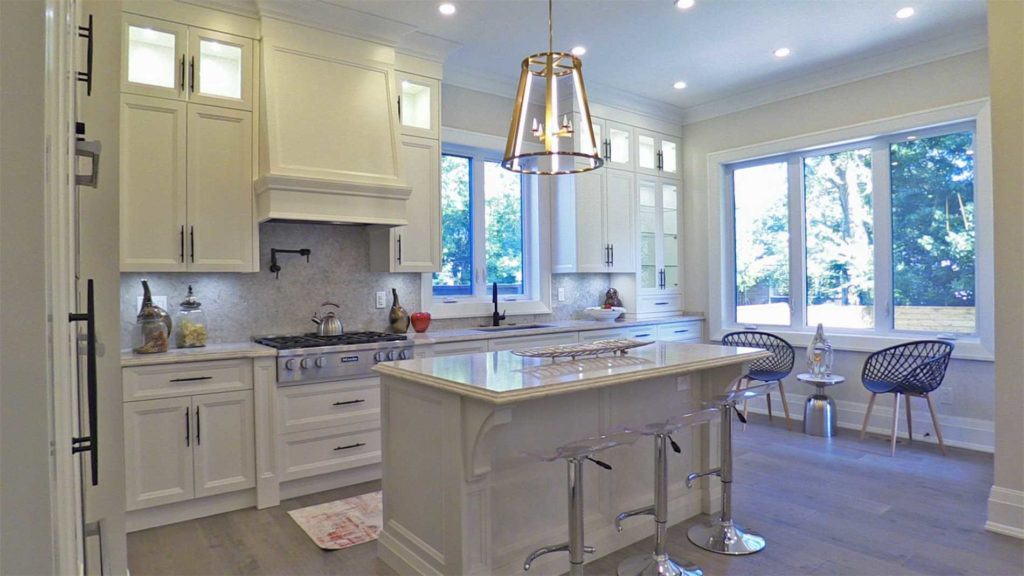 Breakfast Bar, 414 Samford, Oakville Home Staging