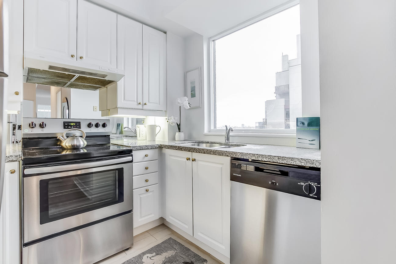 Kitchen Countertop, 55 Bloor, Toronto Condo Staging