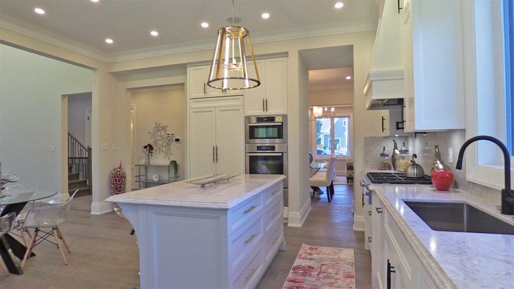 Kitchen Island, 414 Samford, Oakville Home Staging