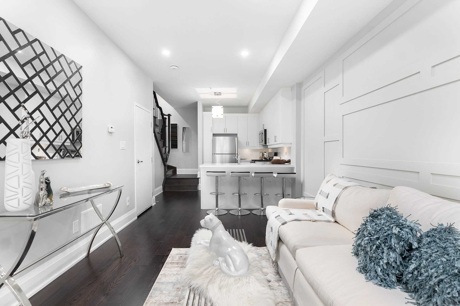 Main Walkway, 1548A Kingston Rd., Scarborough Home Staging