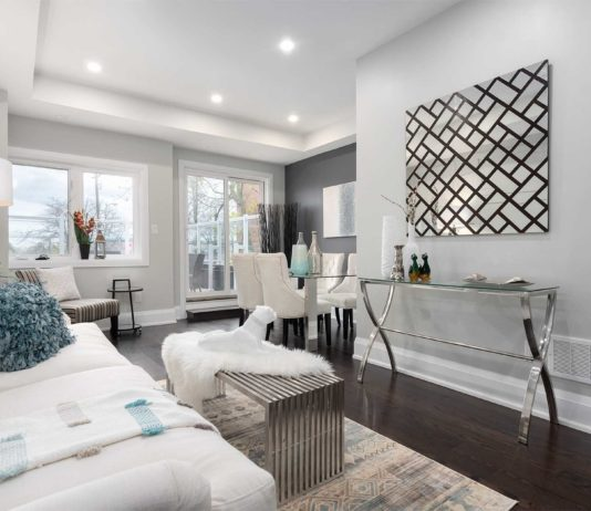 Sitting Room, 1548A Kingston Rd., Scarborough Home Staging