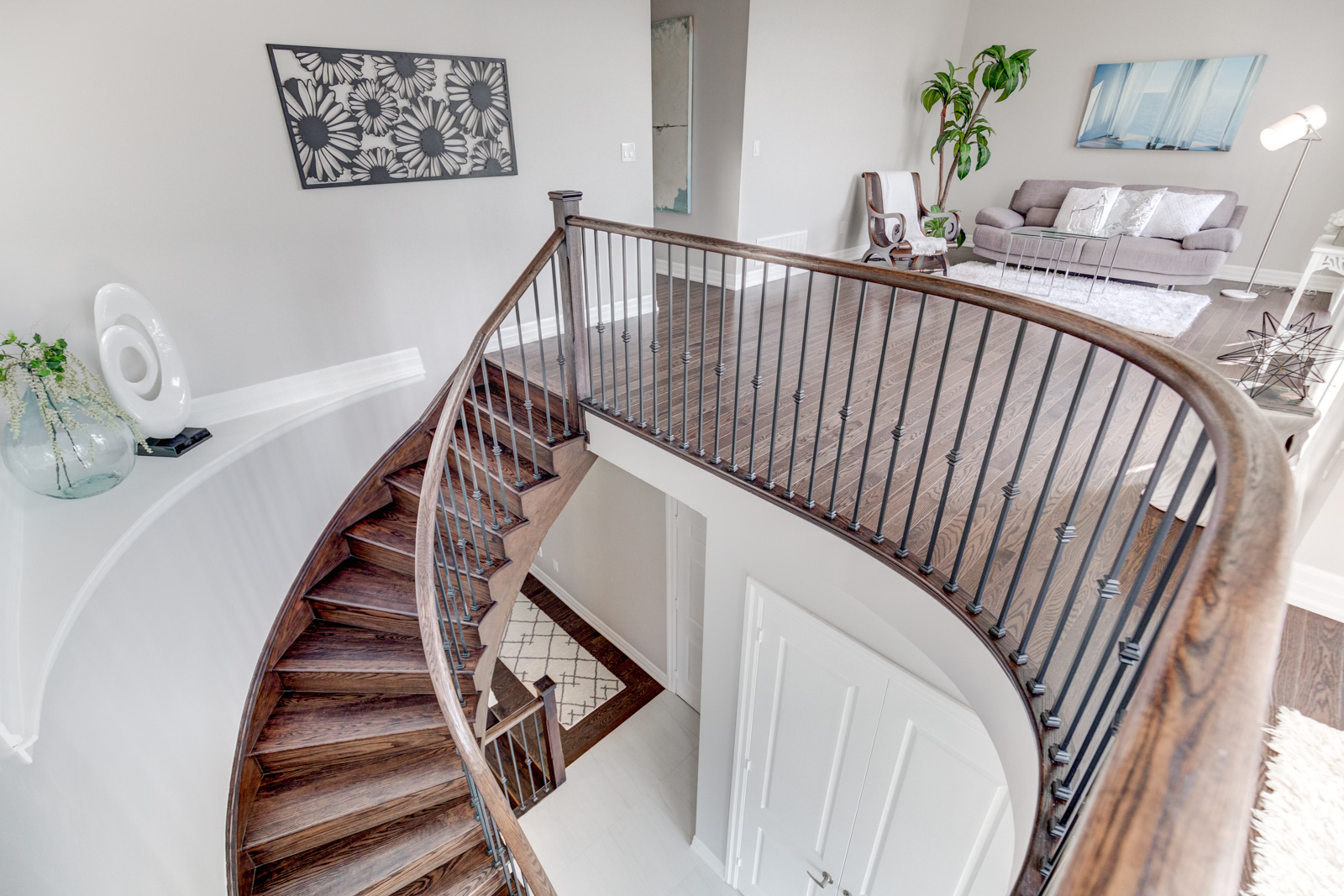 Stairs, 3910 Lodi, Burlington Home Staging