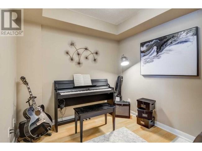 Den, 313 Richmond, Toronto Condo Staging