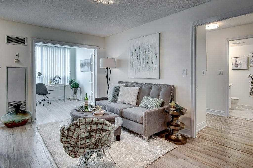 Sitting Area, 68 Corporate, Toronto Condo Staging