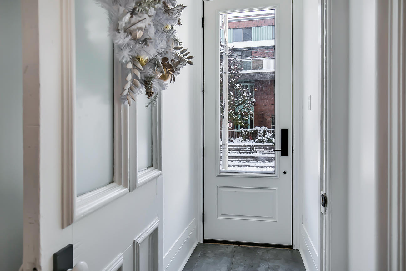 Front Door, 90 Bleecker, Toronto Home Staging
